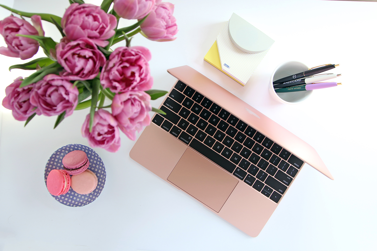 4 reasons the 2016 rose gold macbook is our go to sidewalk hustle. Black Bedroom Furniture Sets. Home Design Ideas