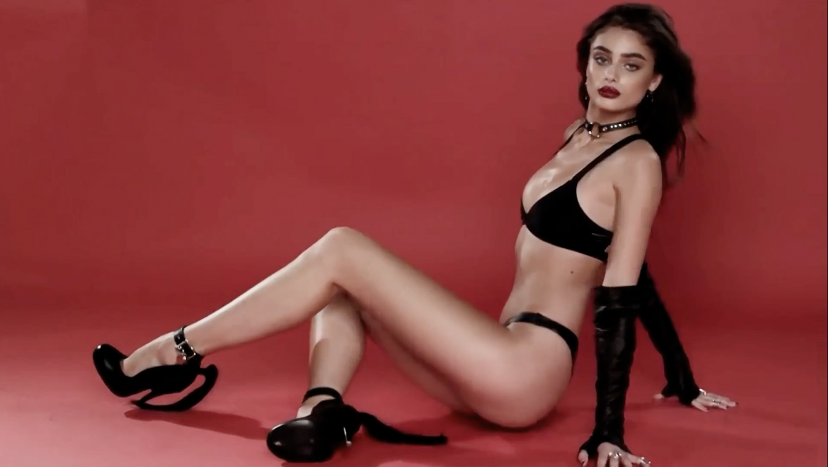 Victorias Secret Angel Taylor Hill Poses For Love Advent