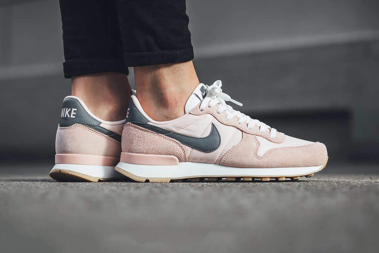 nike internationalist sunset