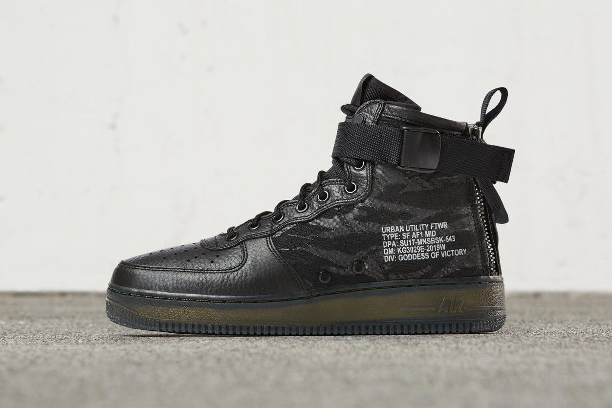 73dbbd85bef216 Nike Special Field Air Force 1 Mid